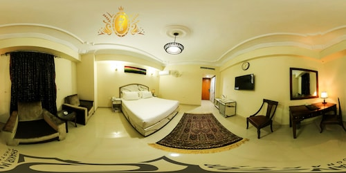 Hotel Crown Inn, Karachi