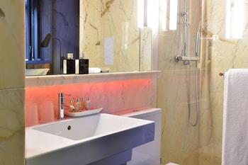 Pestana CR7 Lisboa - Bathroom  - #0