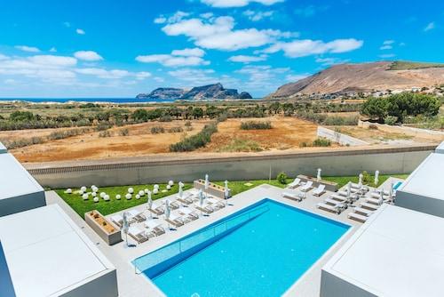 __{offers.Best_flights}__ Pestana Ilha Dourada