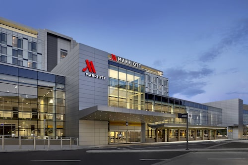 Calgary Airport Marriott In-Terminal Hotel, Division No. 6