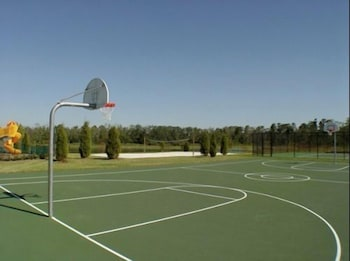 Villas at Seven Dwarf by FunQuest - Basketball Court  - #0