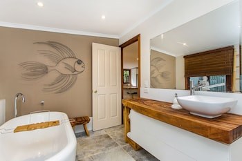 Bottlebrush Cottage - Bathroom  - #0
