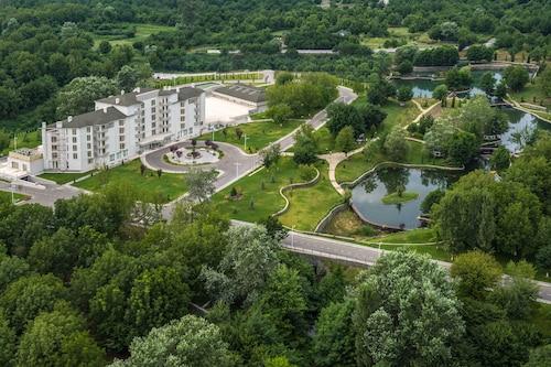 . Qafqaz Thermal & Spa Resort Hotel