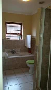 Ebenezer Guest House Bluewater Bay - Bathroom  - #0