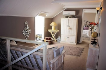 La Montagne Bed & Breakfast - Hotel Interior  - #0