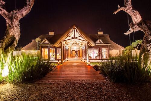 . Nambiti Hills Private Game Lodge
