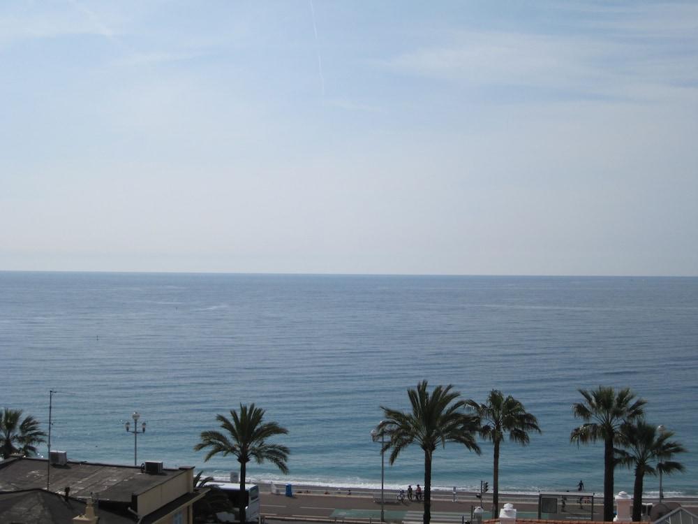 Happy Few - Le Sea View