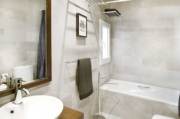 You Stylish City Centre Apartments - Bathroom  - #0