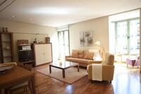Apartment, 3 Bedrooms, View (Ronda Universitat, 35)