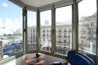 Apartment, 3 Bedrooms (Ronda Universitat , 35)
