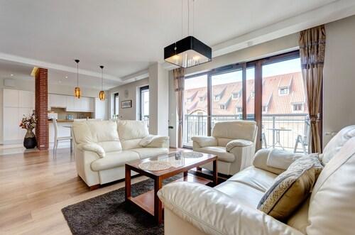 . Dom & House - Apartments Szafarnia