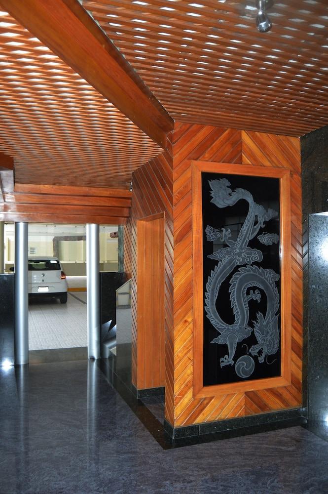 Hotel Seoul, Interior Entrance