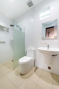 OYO 151 TIERRA MERCEDES NATURE RESORT Bathroom