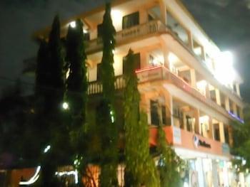 HotelCross Way Executive Hotel - CWE