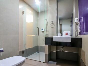 NIDA Rooms Khlong Toei 390 Sky Train - Bathroom  - #0