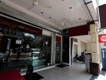 NIDA Rooms Brickfields Charisma at MM Hotel - Hotel Entrance  - #0