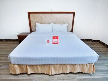 亞馬遜街河濱友誼尼達飯店