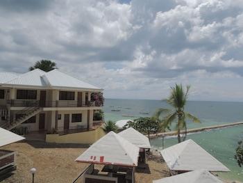 HISOLER'S BEACH RESORT View from Property