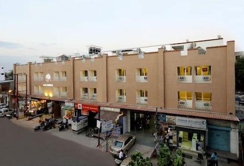Hotel Rainbow, Ghaziabad