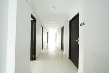 Airy Polonia Abdullah Lubis 3 Medan - Hallway  - #0