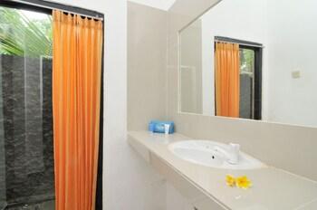 Airy Nusa Dua Pratama 81 Bidadari Bali - Bathroom  - #0