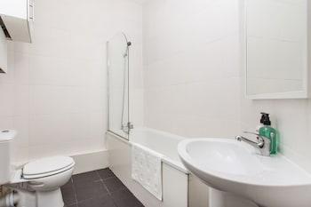 Oxford Street & Regent Street Apartments - Bathroom  - #0