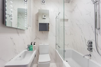 Piccadilly Circus & Chinatown Apartments - Bathroom  - #0