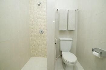 Airy Pontianak Selatan Pahlawan 40 - Bathroom  - #0