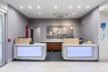 Lobby at Holiday Inn Express & Suites Jersey City North - Hoboken in Jersey City