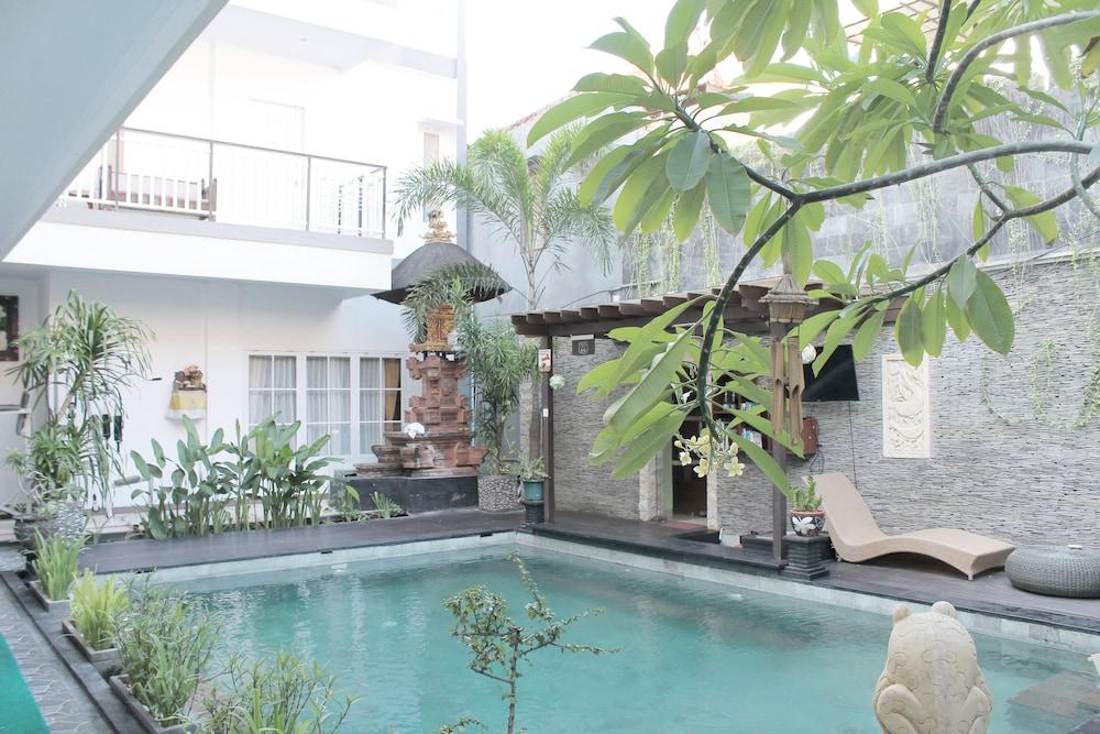 Airy Kuta Kartika Plaza Samudra 55 Bali