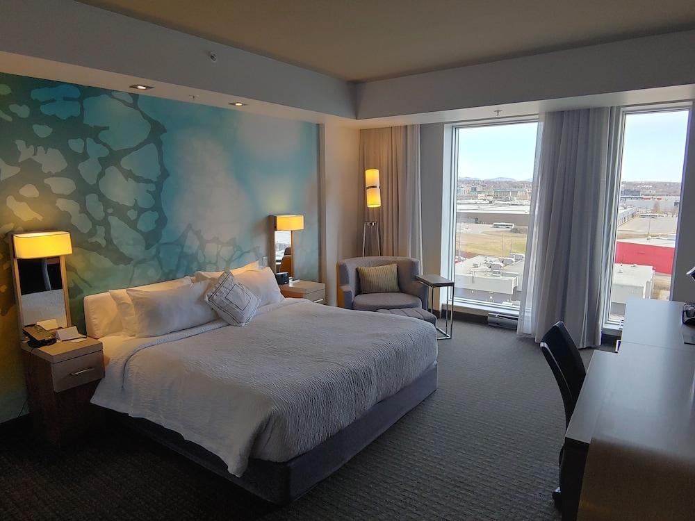 https://i.travelapi.com/hotels/16000000/15800000/15799500/15799446/4435aa53_z.jpg