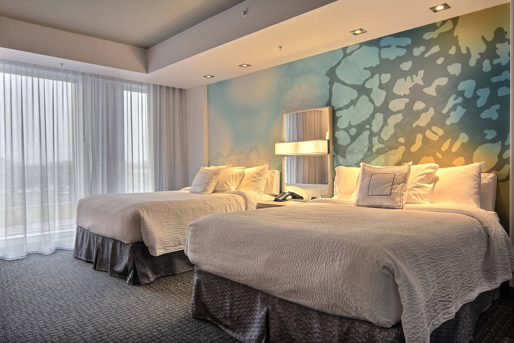 https://i.travelapi.com/hotels/16000000/15800000/15799500/15799446/fa7041eb_z.jpg