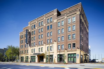 Featured Image at Fairfield Inn & Suites Savannah Downtown/Historic District in Savannah