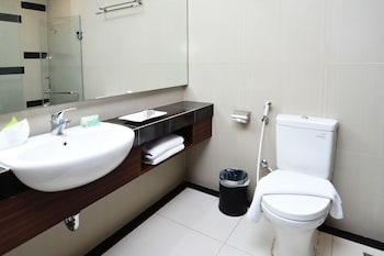 Airy Pesisir Setiabudi 107 Pekanbaru - Bathroom  - #0