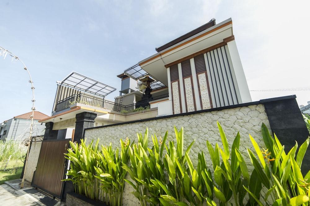 Airy Eco Legian Dewi Sri Manoa Kuta Bali
