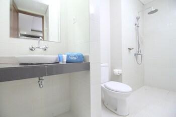 Airy Kuta Poppies Lane Dua Gang Ronta Bali - Bathroom  - #0
