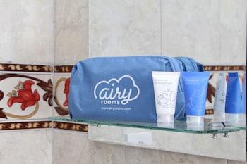 Airy Eco Kuta Utara Pantai Berawa Gang Merpati 6 Canggu Bali - Bathroom Amenities  - #0