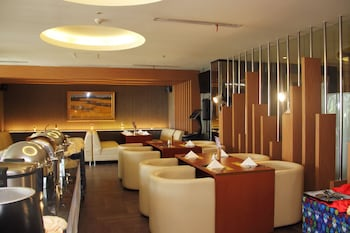 Airy Sawerigading Botolempangan 19 Makassar - Restaurant  - #0