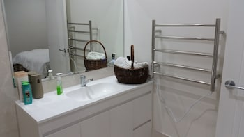 Wyatt Retreat - Bathroom  - #0