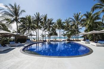 . akyra Beach Resort Phuket