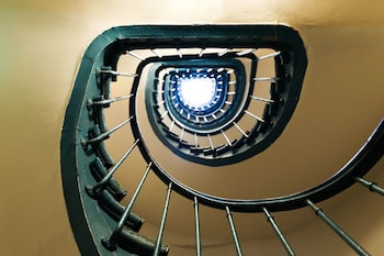 Hôtel de l'Europe Belleville - Staircase  - #0