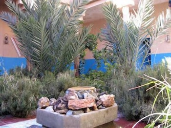 Kasbah Hotel Camping Jurassique - Courtyard  - #0