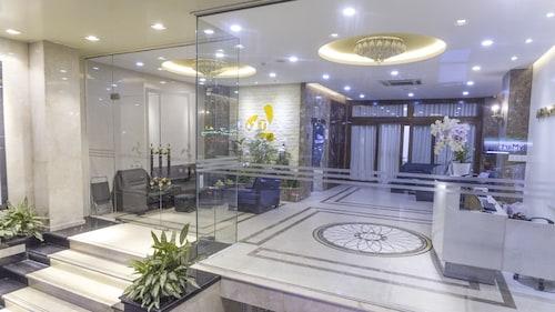 Ambassador Hotel Saigon, Quận 1