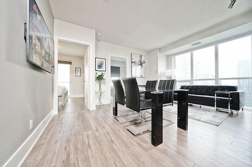 Grand Royal Condos - CN Tower, Toronto