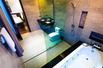 Chocolate Villa by Jetta - Bathroom  - #0