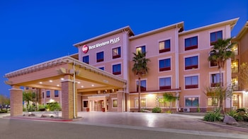 貝斯特韋斯特普拉斯昌德勒套房飯店 Best Western Plus Chandler Hotel & Suites