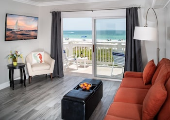 Beachfront Suite with Balcony