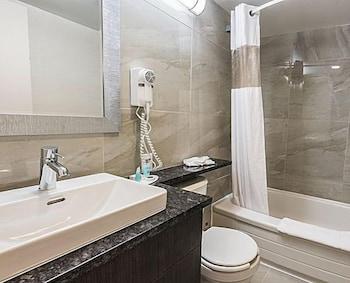 Hotel Chrome Montréal Centre-ville - Bathroom  - #0