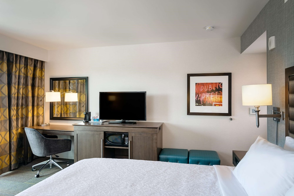 Room, 2 Queen Beds, Non Smoking (Shower)
