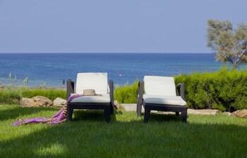 Trident Beach Front Suite - Terrace/Patio  - #0